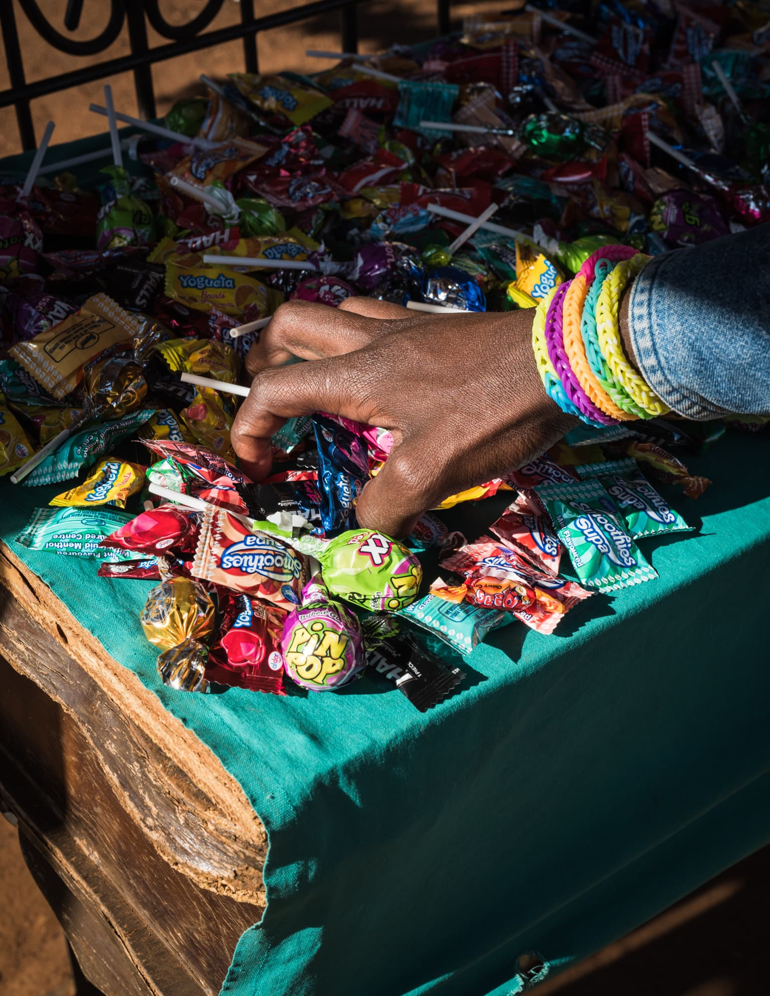How to get home — Sweets stand and handsign to Jabulani Mall
