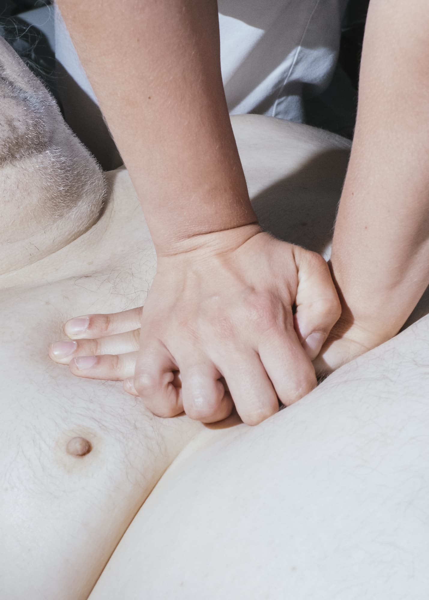 Nicht muede werden —  Hand detail of a nurse preparing breakfast for a patient